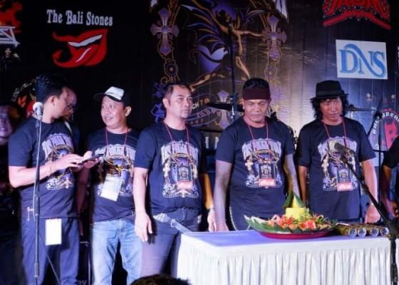 Nusabali.com - the-polka-tulk-band-panaskan-panggung-one-day-with-music-and-peace