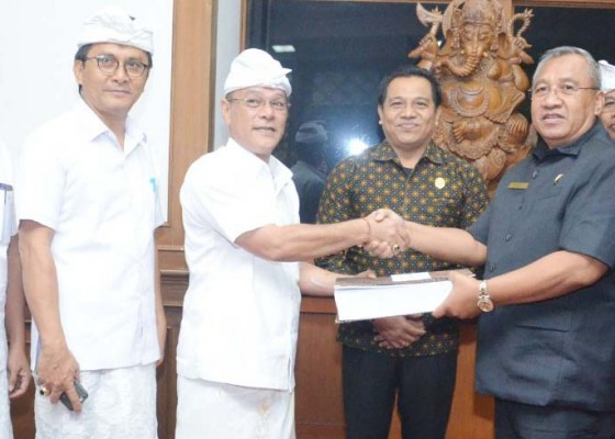 Nusabali.com - dewan-badung-terima-lkpj-bupati-tahun-2019