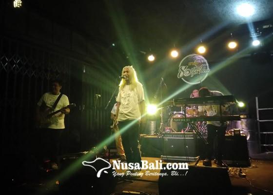 Nusabali.com - bali-puisi-musik-sajian-puisi-berbalut-musik