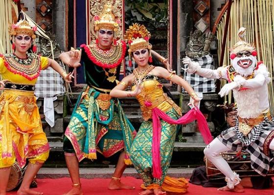 Nusabali.com - roadshow-pentas-kesenian-rakyat-dari-kota-ke-kota-di-prancis