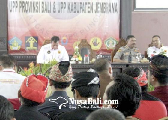 Nusabali.com - pecalang-ikuti-sosialisasi-saber-pungli