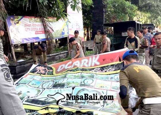 Nusabali.com - satpol-pp-jembrana-tertibkan-reklame