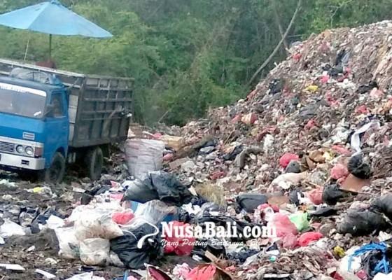Nusabali.com - dinas-lhk-mulai-evakuasi-sampah-di-tps-tuban-ke-suwung
