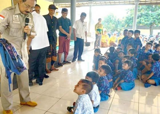 Nusabali.com - gde-agung-kenalkan-wawasan-kebangsaan-kepada-murid-tk