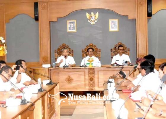 Nusabali.com - pemkab-badung-bentuk-tim-penanganan-penyakit-babi
