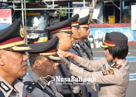 Nusabali.com - 6-jabatan-di-polres-karangasem-diserahterimakan