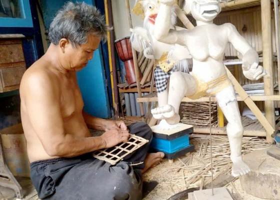 Nusabali.com - jelang-nyepi-usaha-sanggah-cucuk-kebanjiran-order