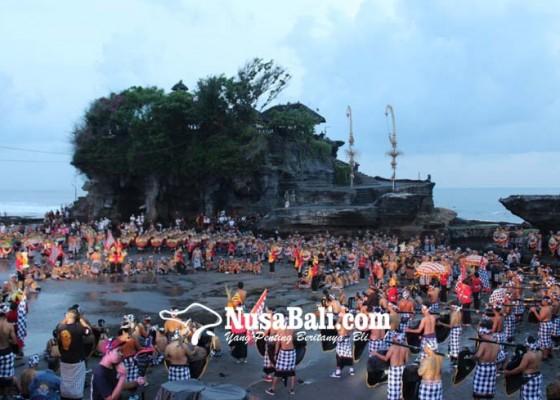Nusabali.com - atraksi-kolosal-okokan-buka-festival-tanah-lot