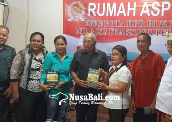 Nusabali.com - korban-bom-bali-2002-mesadu-ke-wayan-sudirta