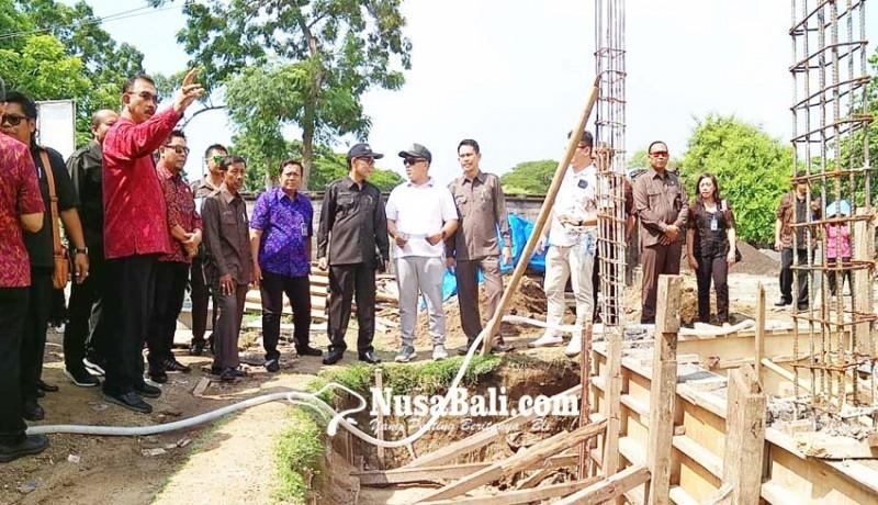 www.nusabali.com-dewan-ingatkan-agar-distribusi-air-prioritaskan-warga