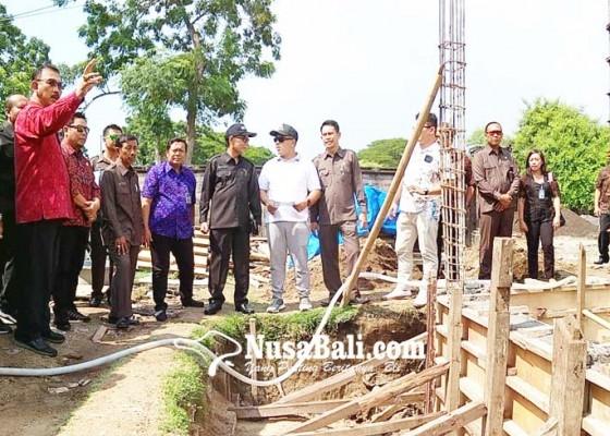 Nusabali.com - dewan-ingatkan-agar-distribusi-air-prioritaskan-warga