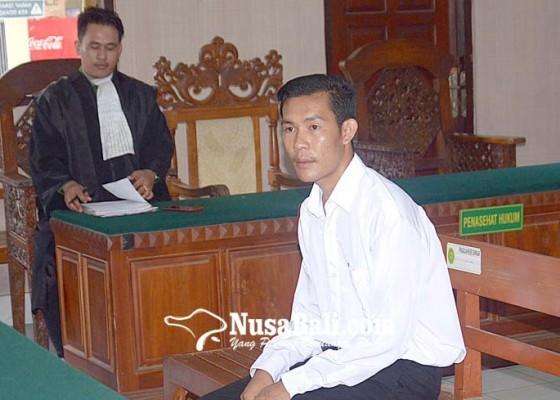 Nusabali.com - divonis-8-tahun-suami-pembunuh-istri-santai