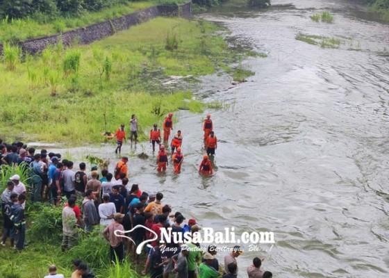 Nusabali.com - siswa-smp-tenggelam-di-sungai-1-tewas-1-hilang