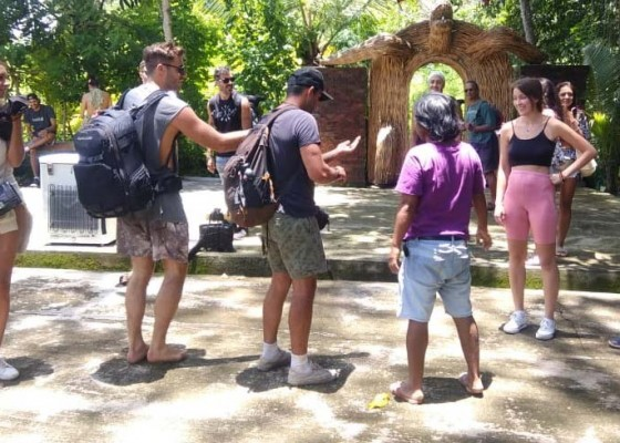 Nusabali.com - pengelola-tutup-suwat-waterfall