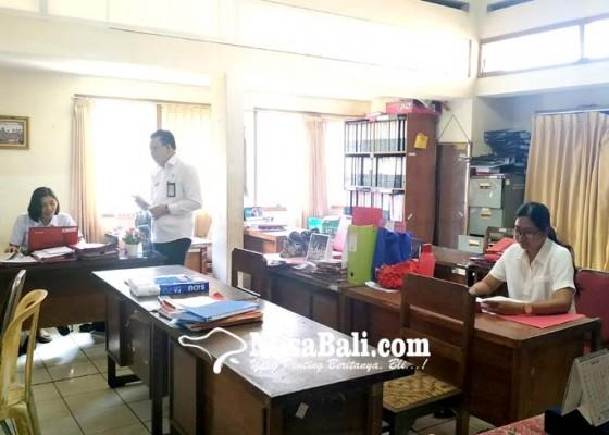 Nusabali.com - kerja-asn-di-tabanan-berlakukan-sistem-piket