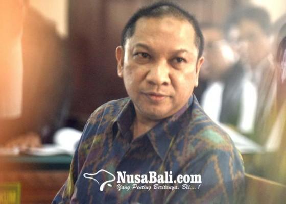 Nusabali.com - diperiksa-2-jam-tri-nugraha-lolos-penahanan
