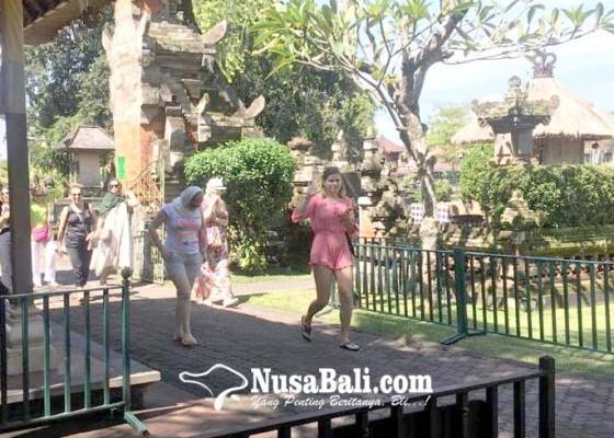 Nusabali.com - taman-ayun-tetap-buka-kunjungan-wisatawan