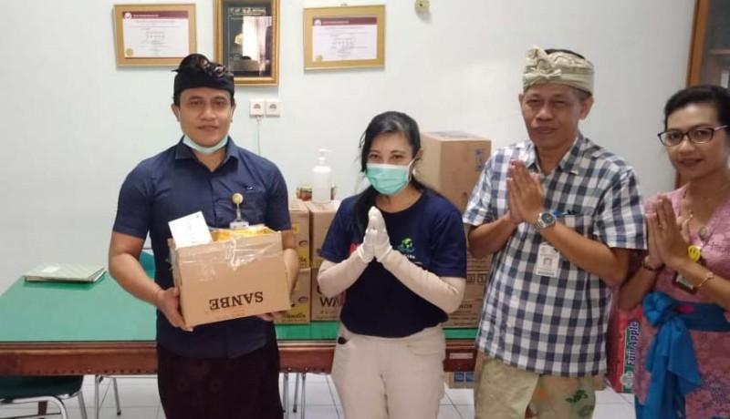 www.nusabali.com-petugas-medis-dibantu-vitamin-ada-yang-bagikan-masker