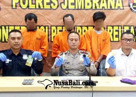 Nusabali.com - pecandu-nyanyi-pengedar-diringkus