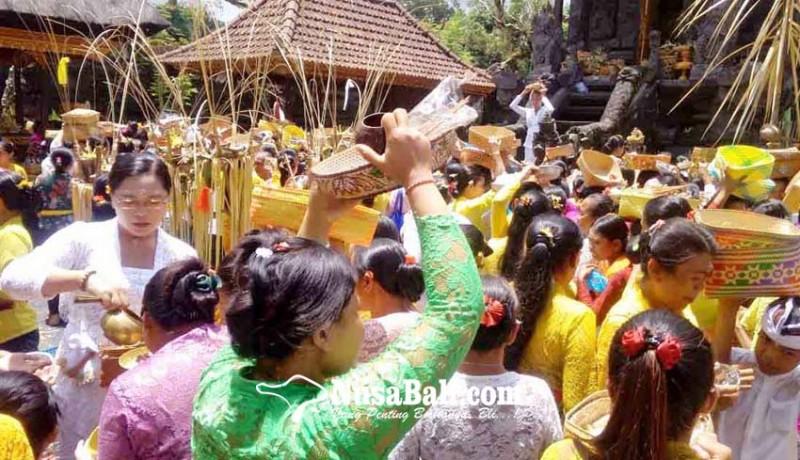 www.nusabali.com-desa-adat-selat-gelar-pamahayu-jagat