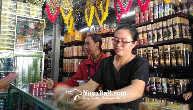 www.nusabali.com-jelang-nyepi-penjualan-sarana-upakara-meningkat