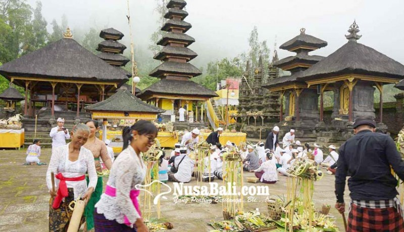 www.nusabali.com-pamahayu-jagat-cegah-pancabaya-di-pasar-agung