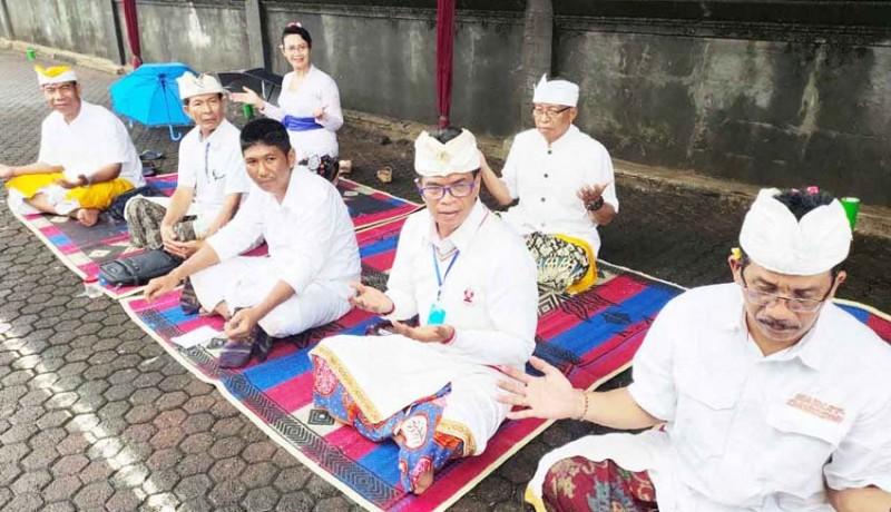 www.nusabali.com-upacara-melasti-berjalan-hikmat