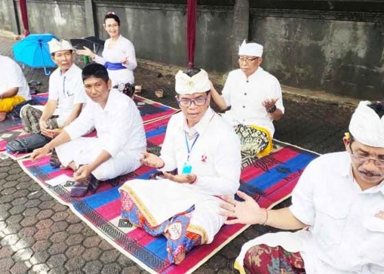Nusabali.com - upacara-melasti-berjalan-hikmat