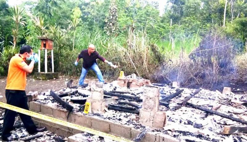 www.nusabali.com-lupa-matikan-dupa-dapur-terbakar
