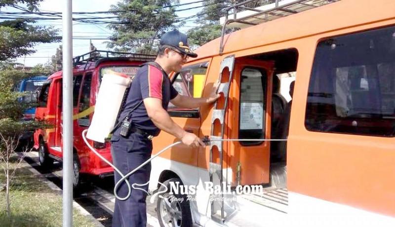 www.nusabali.com-angkutan-umum-disemprot-disinfektan