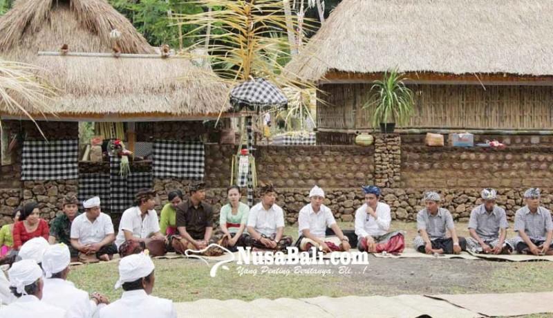 www.nusabali.com-desa-dukuh-penaban-bagikan-bantuan-beras
