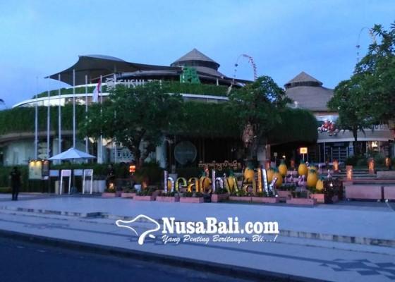 Nusabali.com - puluhan-hotel-rumahkan-karyawan