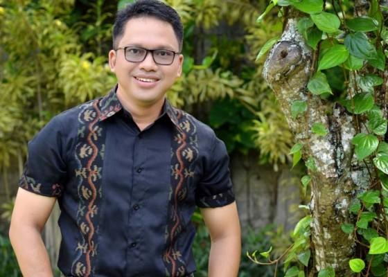 Nusabali.com - agung-wirasutha-ajak-warga-senang-senang