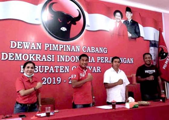 Nusabali.com - kader-pdip-gianyar-donorkan-darah-ke-pmi-secara-bergiliran