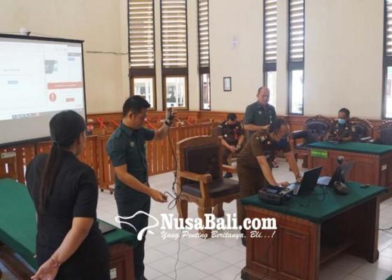 Nusabali.com - hari-ini-pn-denpasar-sidang-online-8-perkara-pidana