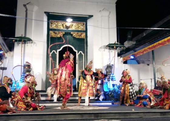 Nusabali.com - kelahiran-wayang-wong-tejakula-berawal-dari-peristiwa-kerauhan