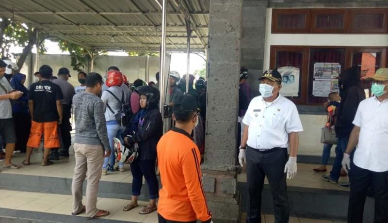 www.nusabali.com-bupati-artha-instruksi-tolak-penumpang-dari-zona-merah