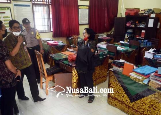 Nusabali.com - sdn-14-dangin-puri-diobok-obok-maling