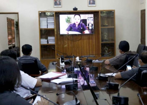 Nusabali.com - cegah-covid-19-rapat-paripurna-di-tabanan-melalui-video-conference
