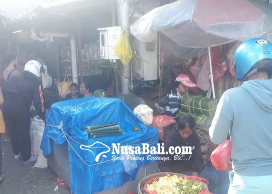 Nusabali.com - kerauhan-pedagang-pasar-wangaya-diminta-tak-berjualan