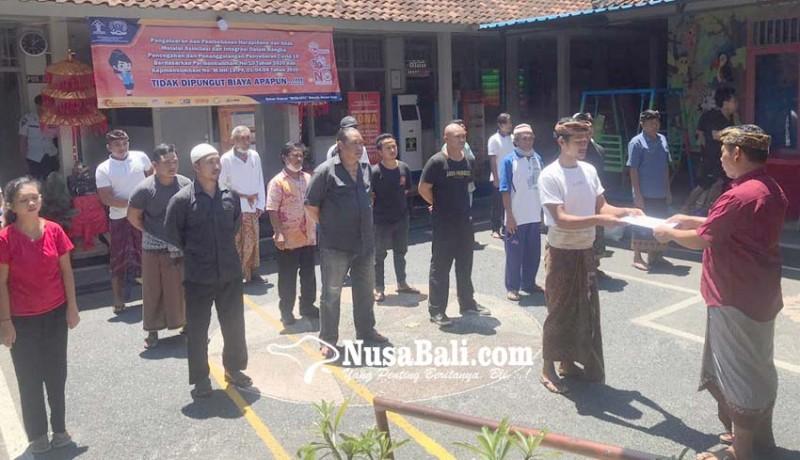 www.nusabali.com-giliran-24-napi-rutan-gianyar-yang-dibebaskan