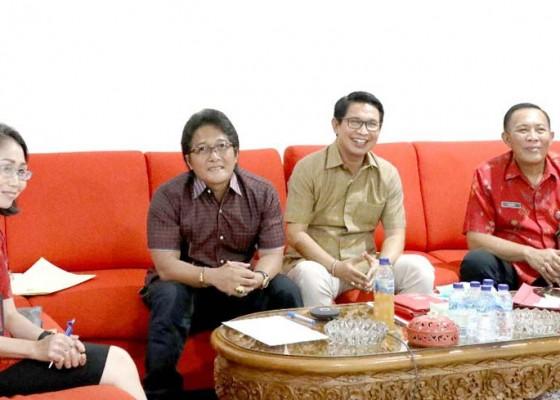 Nusabali.com - bupati-giri-prasta-rapat-teleconference-dengan-kepala-bpk-ri-perwakilan-provinsi-bali
