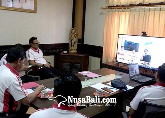 Nusabali.com - disdikpora-badung-teleconference-dengan-kemendikbud
