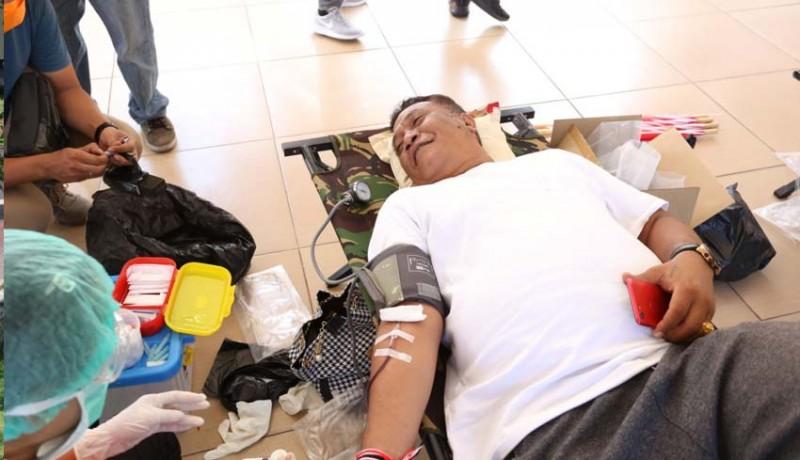 www.nusabali.com-dprd-klungkung-gelar-donor-darah