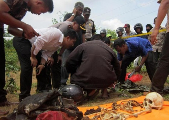 Nusabali.com - tulang-belulang-manusia-ditemukan-lengkap-pakaian-dan-helm