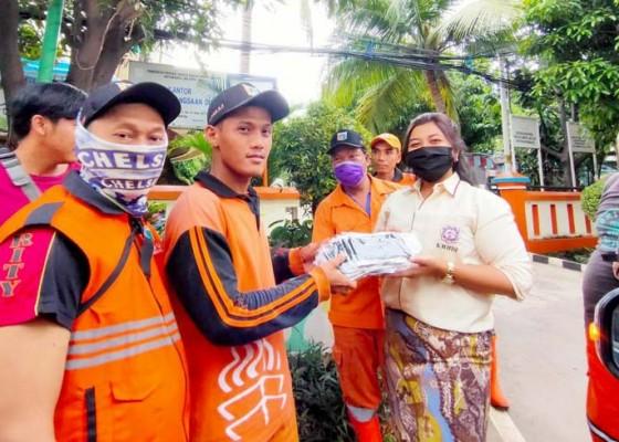 Nusabali.com - kmhdi-dan-fa-kmhdi-bagikan-5000-masker
