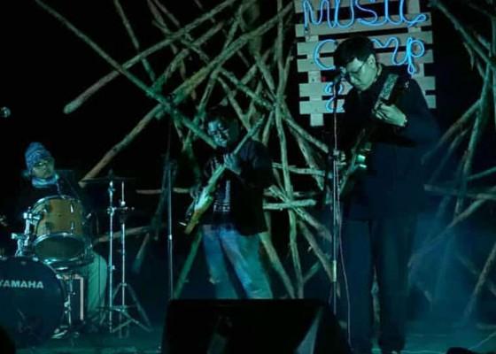 Nusabali.com - usung-musik-era-60-an-east-groove-experience-rilis-aligment