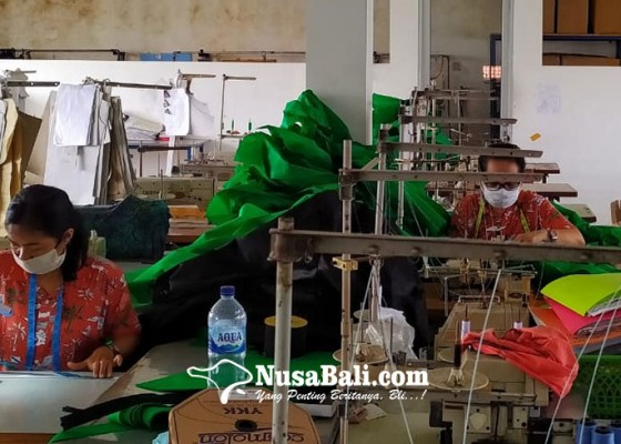 Nusabali.com - alumni-ugm-di-bali-produksi-apd-untuk-disumbangkan