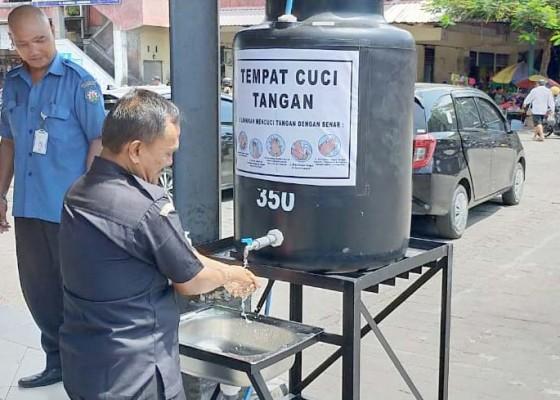 Nusabali.com - fasilitas-cuci-tangan-pasar-kreneng