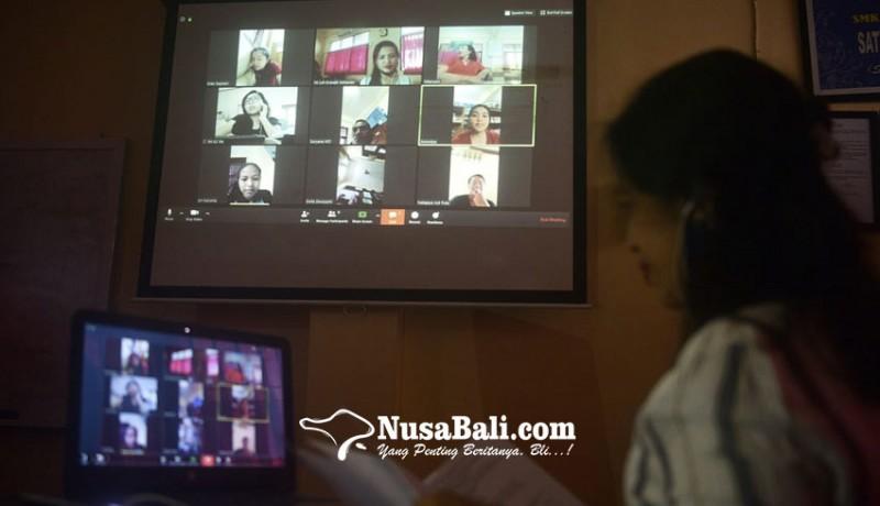 www.nusabali.com-belajar-di-rumah-smk-pariwisata-dalung-gunakan-berbagai-aplikasi